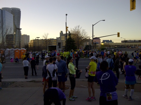 Runners gather before start