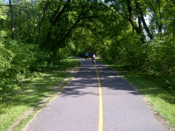 Scenic path along Rideau River