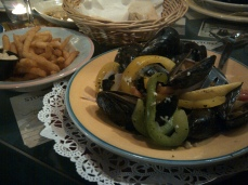 Sun Dunner @ Vinyards (Fish Market) - Mussels+Fries